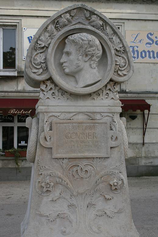 Monument commémoratif de Paul-Louis Courier à Véretz (photo JP Lautman)